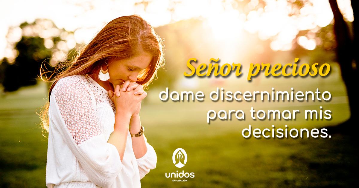 Oración de discernimiento para tomar una decisión